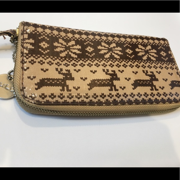 50% off Lulu Handbags - LuLu Brown Fair Isle Winter Deer Print Zip ...